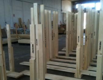 Strutture portanti di gabbie in legno