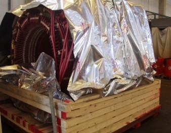Fase di imballaggio di un motore elettrico di grandi dimensioni